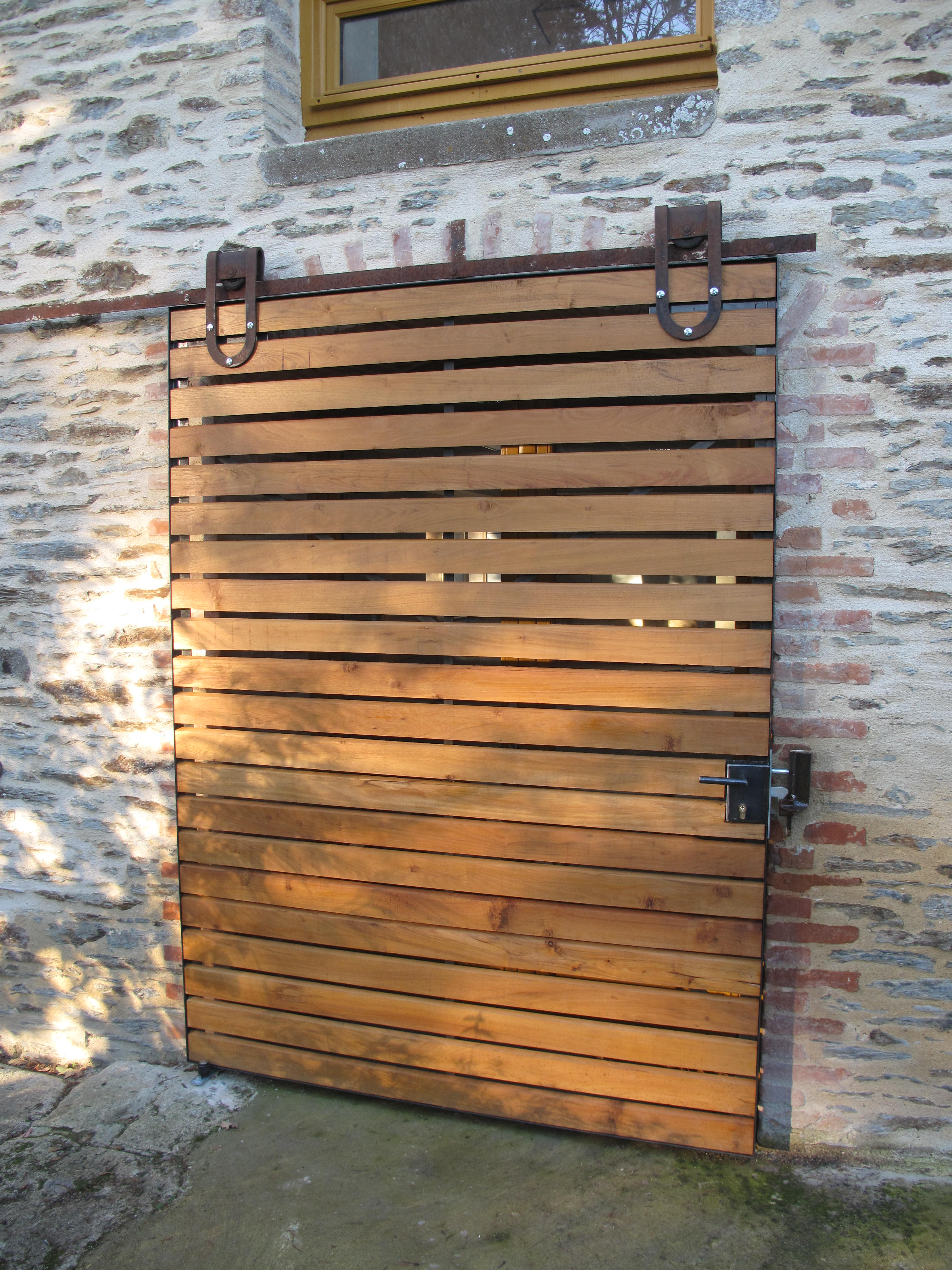 porte-acier-bois-artisnal