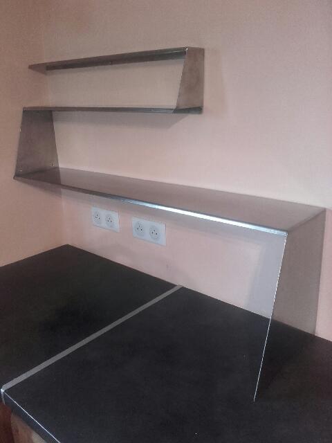 mobilier de cuisine design en acier inoxydable soudure. Black Bedroom Furniture Sets. Home Design Ideas